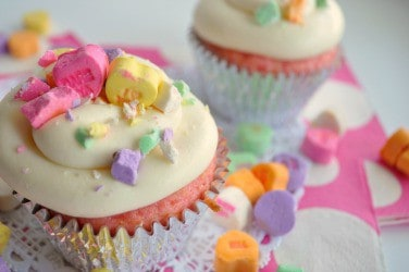 Valentine's Day Cupcake Decorating Ideas. |House of Yumm|
