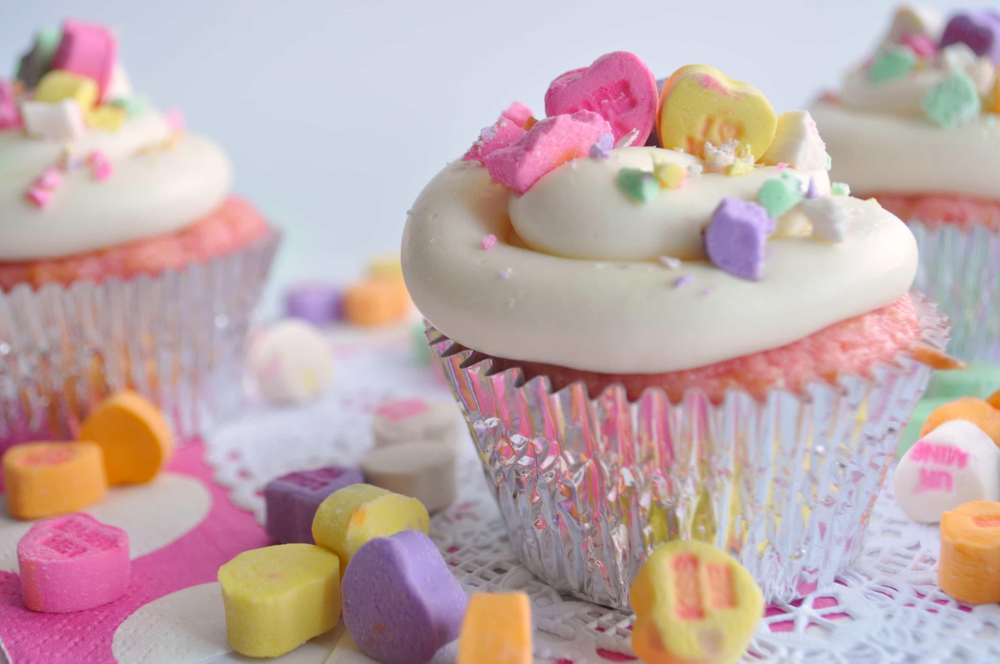 Valentine's Day Cupcake decorating ideas |House of Yumm|