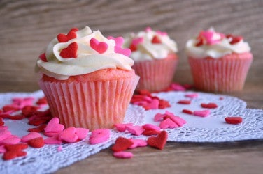 Valentine's Day Cupcake Decorating Ideas |House of Yumm|