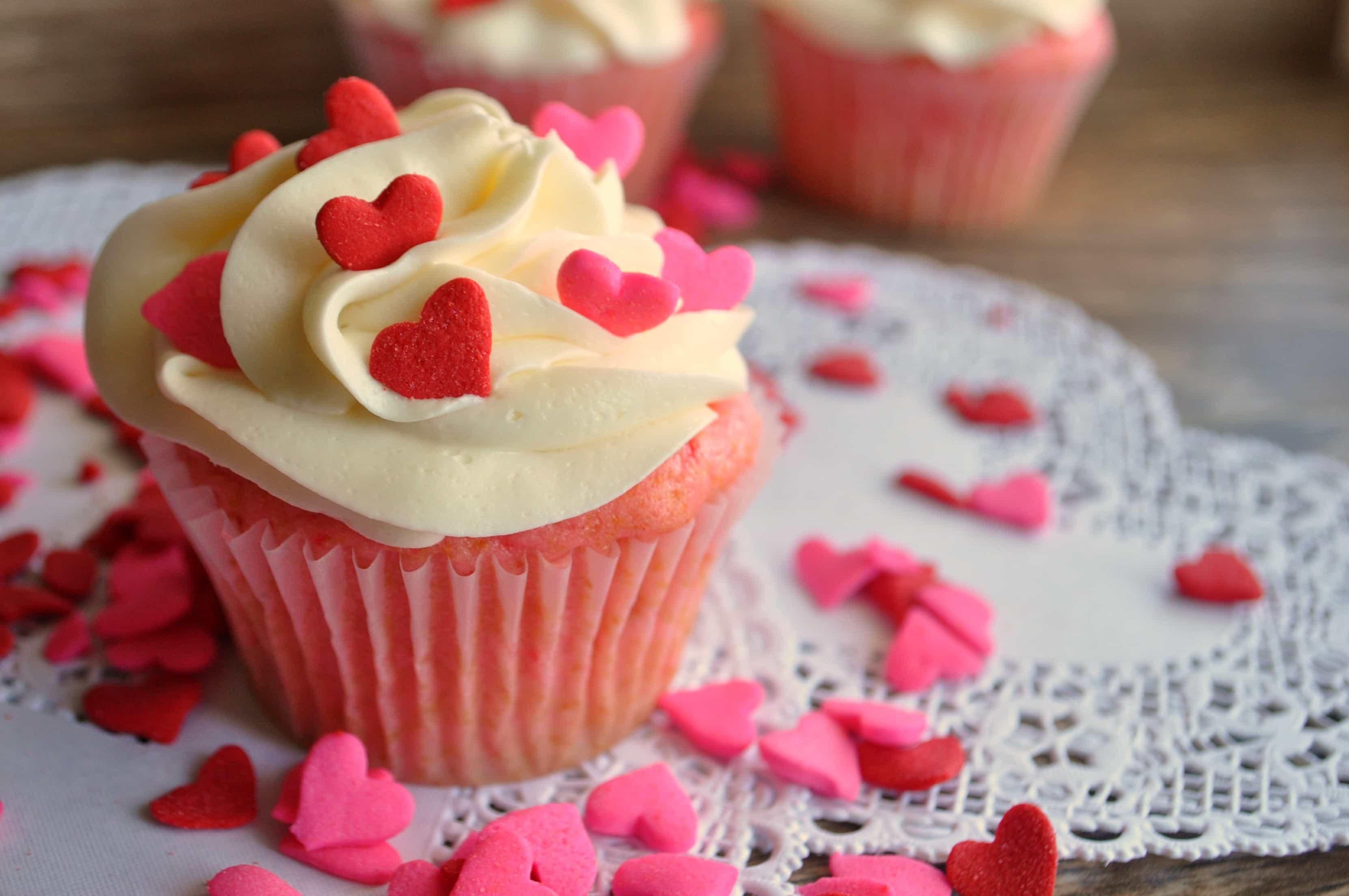 Valentine S Day Cupcake Decorating Ideas : Valentine s Day Cupcakes