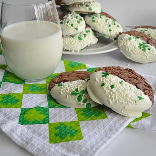 Super moist Chocolate Cake Batter cookies.  So easy to make!  Fun to decorate too! Perfect for St. Patricks Day.  www.houseofyumm.com