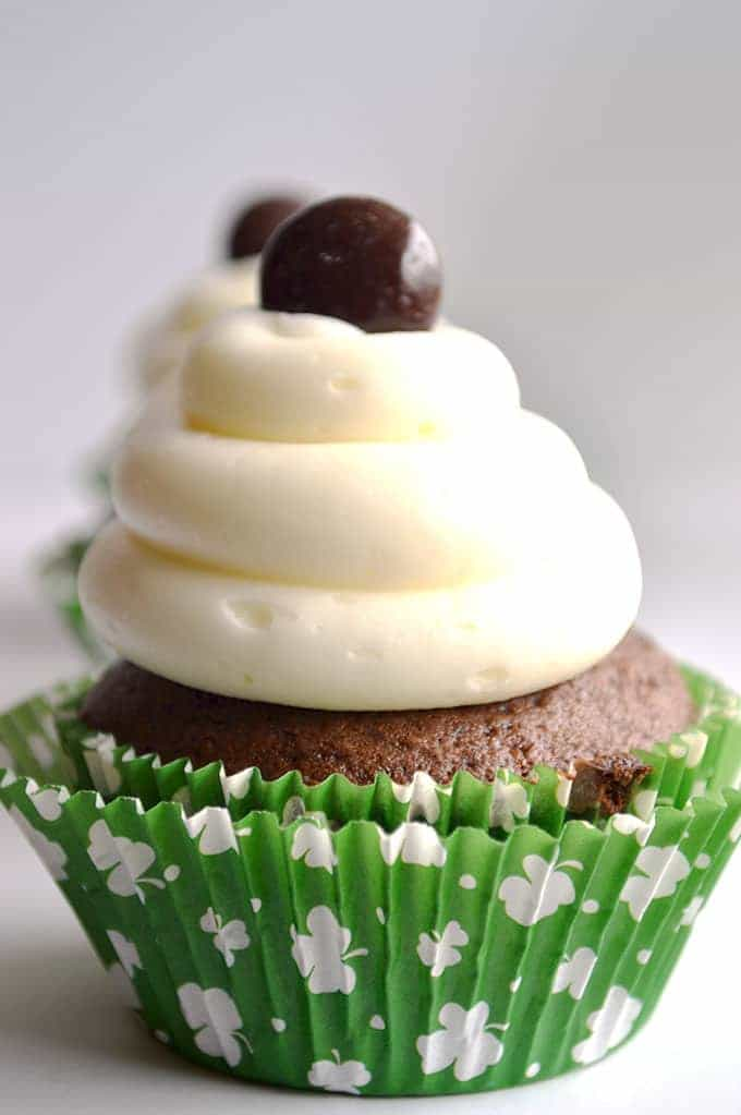 Junior Mint Cupcakes. Minty chocolate cupcakes, creamy mint filling ...