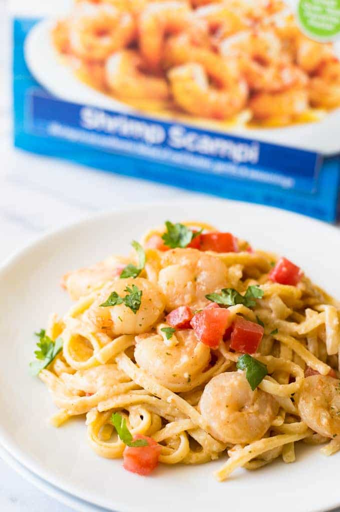 This easy to make creamy pasta comes together in 30 MINUTES or less and is loaded with juicy shrimp plus packs a spicy cajun flavor!! Tastes just like a dish from your favorite restaurant but for a fraction of the cost! Perfect for a weeknight dinner or family meal!