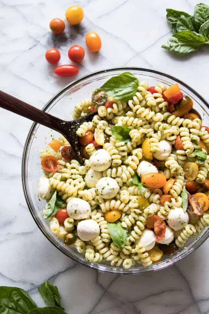 Pesto Pasta Salad This Is Loaded Up With Fresh Mozzarella Juicy Tomatoes